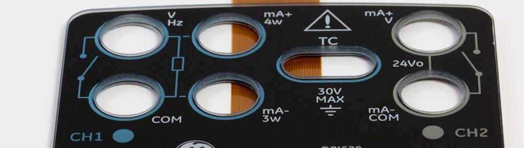 kapazitiver-4-3-zoll-dito-touchscreen-mit-bedrucktem-chemisch-gehaerteten-coverglas-mit-aussparungen