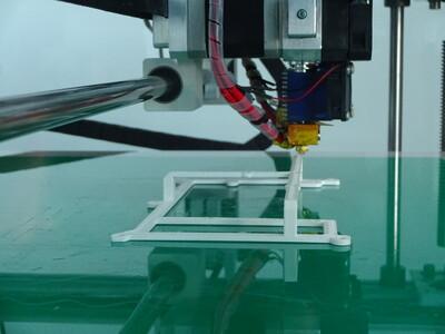 Druck eines Kunststoff Hilfsrahmen mit 3D Druck